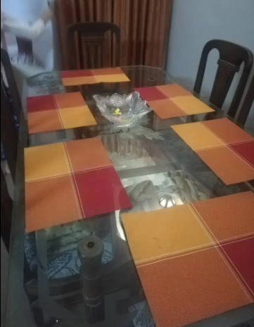 Dining Table Available For Sale In Good Condition